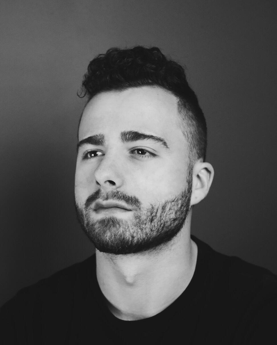 Nijaz Muratovic on LogoLounge
