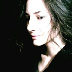 Elmira Gokoryan on LogoLounge