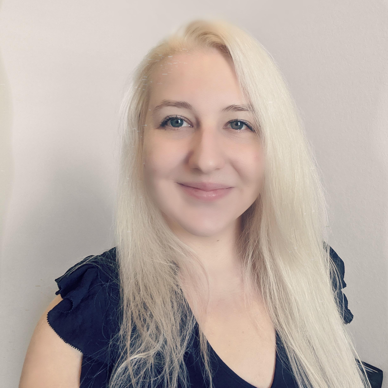 Cynthia Murray on LogoLounge