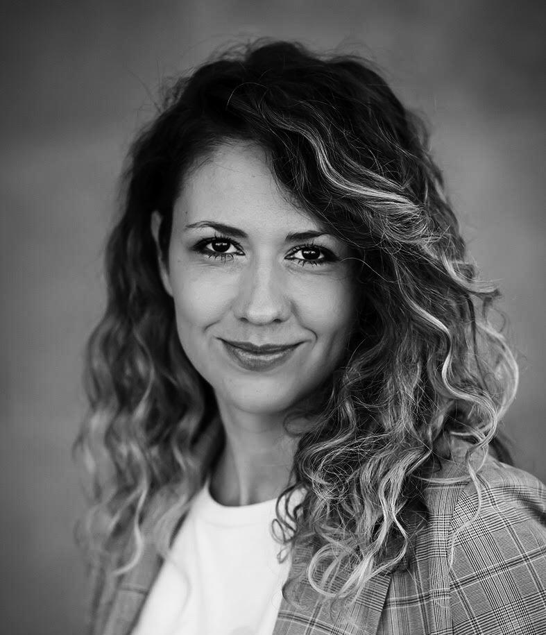 Maja Vukic on LogoLounge